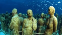 Подводные статуи